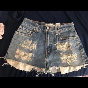 SOLD — Levi's Cutoff Shorts